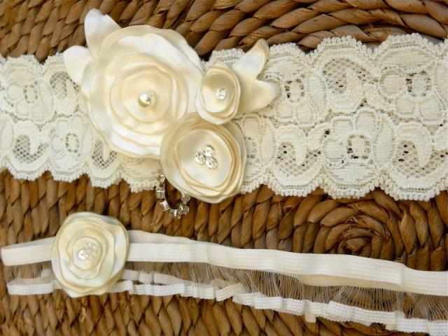 Ivory Garter Set